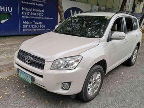 Selling White Toyota Rav4 2009 Automatic Gasoline at 63000 km