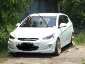Selling White Hyundai Accent 2014 Hatchback in Santa Rosa