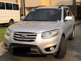 Silver Hyundai Santa Fe 2012 Automatic Diesel for sale