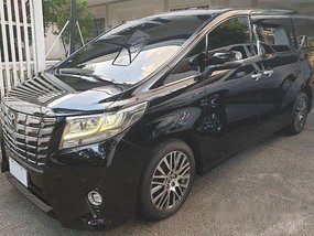 Selling Black Toyota Alphard 2016 in Makati