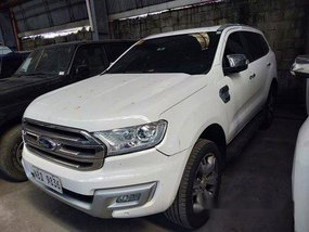 Sell White 2018 Ford Everest at 14000 km