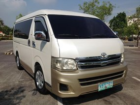 Selling White Toyota Hiace 2009 Manual Diesel in Lucena