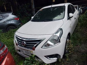 White Nissan Almera 2016 at 21000 km for sale