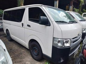 Selling White Toyota Hiace 2014 in Makati