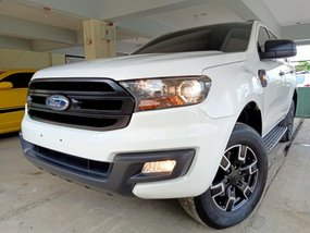 White Ford Everest 2016 at 22000 km for sale
