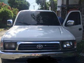 Sell White 1999 Toyota Hilux Manual Diesel at 125000 km