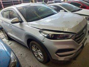 Selling Silver Hyundai Tucson 2016 at 57000 km