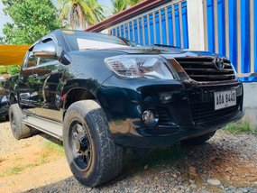 Black 2015 Toyota Hilux Manual Diesel for sale