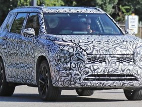 Mitsubishi Outlander 2021: Prototype spotted in Michigan!