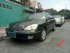 Black Nissan Sentra 2004 at 100000 km for sale