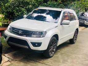 Selling Pearl White Suzuki Grand Vitara 2016 Automatic Gasoline at 26000 km