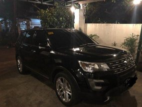 Selling Black Ford Explorer 2017 at 21000 km