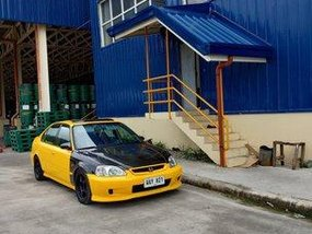 Yellow Honda Civic 1998 at 100000 km for sale