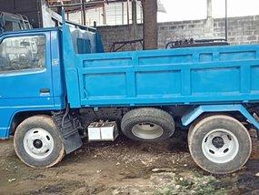Blue 2000 Isuzu Elf Truck Manual Diesel for sale