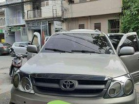Selling Toyota Fortuner 2006 Automatic Gasoline at 176000 km