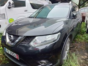 Black Nissan X-Trail 2015 at 55000 km for sale