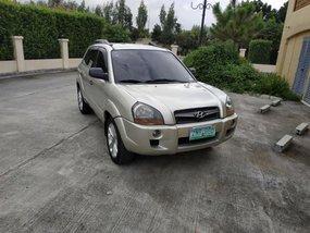 Selling Used Hyundai Tucson 2008 at 93000 km