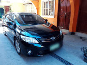 Sell Black 2013 Toyota Altis Sedan in Quezon City