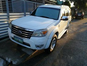 Selling White Ford Everest 2009 Automatic Diesel at 80000 km