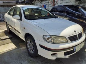 Selling White Nissan Sentra 2003 Automatic Gasoline at 157000 km