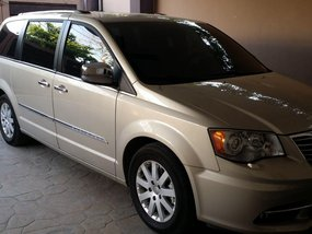 2012 Champagne Gold Town and Country for sale in Muntinlupa