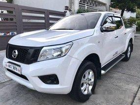 White Nissan Navara 2016 at 35000 km for sale