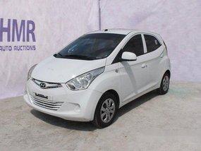 Selling White Hyundai Eon 2018 at 14383 km