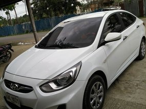 Selling White Hyundai Accent 2014 Automatic Gasoline