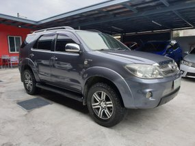 Toyota Fortuner 2005 G Gas Automatic in Las Pinas