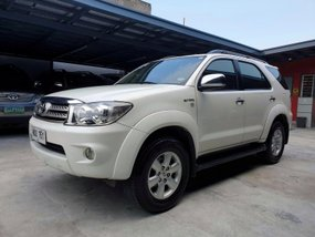 Selling Toyota Fortuner 2010 G Gas Automatic in Las Pinas