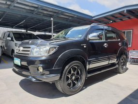 Black Toyota Fortuner 2009 G Gas Automatic for sale in Las Pinas