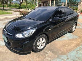 Selling Black Hyundai Accent 2011