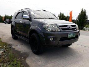 Toyota Fortuner 2006 for sale in Las Piñas