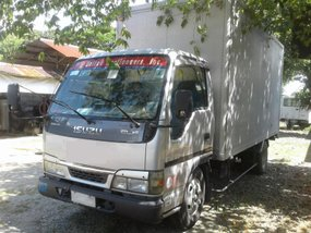 Selling 2nd Hand Isuzu Nhr 2000 Truck in Quezon City