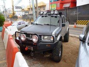 Sell 2nd Hand 2001 Nissan Frontier Navara Truck in Santa Rosa