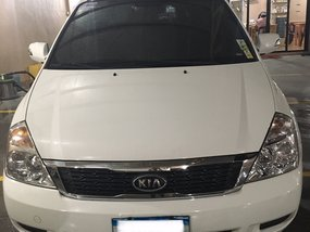 White 2013 Kia Carnival at 51000 km for sale in Cainta