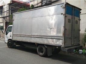 Selling 2007 Isuzu Elf Truck in Makati