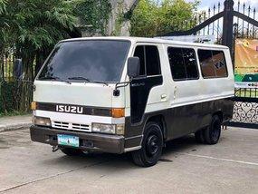 Selling White Isuzu Elf 1997 Manual Diesel