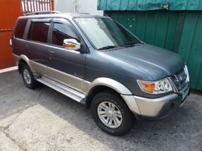 Selling Used Isuzu Crosswind 2010 in Carmona