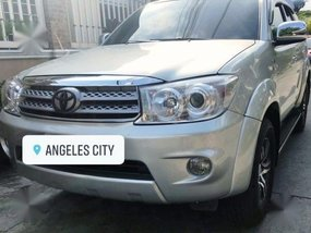 Second-hand Toyota Fortuner 2010 for sale in Angeles