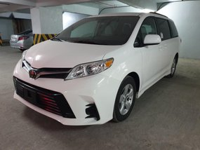 Toyota Sienna 2019 for sale in Quezon City