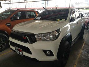 Sell White 2017 Toyota Hilux in Pasig