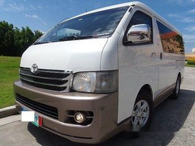 Selling White Toyota Hiace 2011 in Quezon City