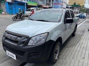 Sell White 2017 Isuzu D-Max Manual Diesel at 35000 km