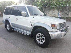 Selling White Mitsubishi Pajero 1998 Manual Diesel