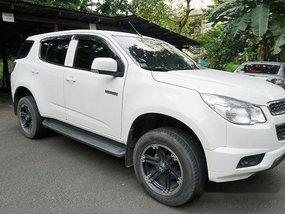 Selling White Chevrolet Trailblazer 2015 at 34500 km