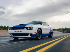 Dodge Challenger Drag Pak: Non-street legal and it can do wheelies