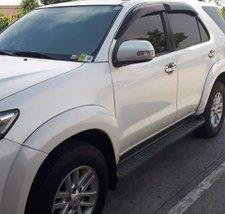Selling White Toyota Fortuner 2014 at 56000 km