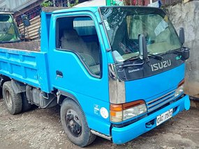 Blue Isuzu Elf 2017 for sale in Quezon City