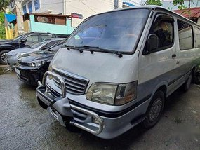Sell White 2000 Toyota Hiace at 16000 km